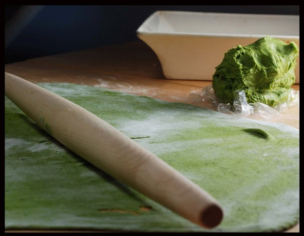 making-spinach-pasta-0309