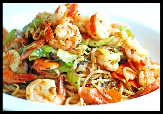 ... garlic shrimp fried noodles with garlic black garlic and shrimp stir