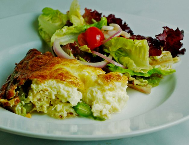 crustless-quiche-with-salad-0609