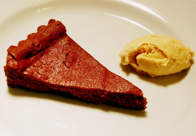 Chili chocolate flourless cake with caramel gelato 1209