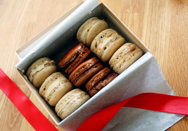 Holiday Macarons 1209